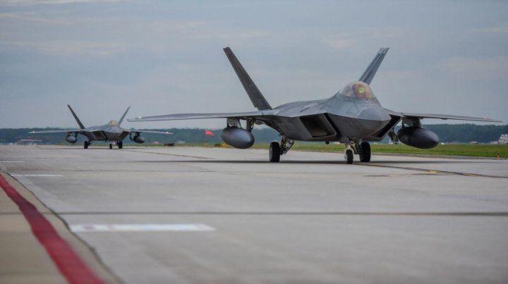 Los F-22 parten desde una base en Virginia con destino a Qatar