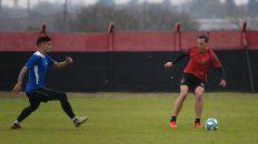 El defensor realizó sus primeros minutos de fútbol en un amistoso y debió retirarse antes por una molestia.