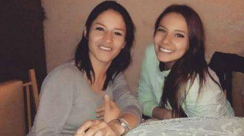 Daiana Armanino (izquierda) junto a su hermana Alejandra Ferreño. (Foto de archivo)