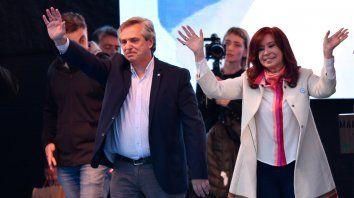 La Primera Foto. Alberto F y Cristina en el primer acto de campaña.