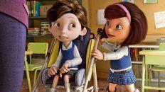 Desde el primer momento que lo ve en la escuela, María se convierte en una amiga inseparable de Nicolás.