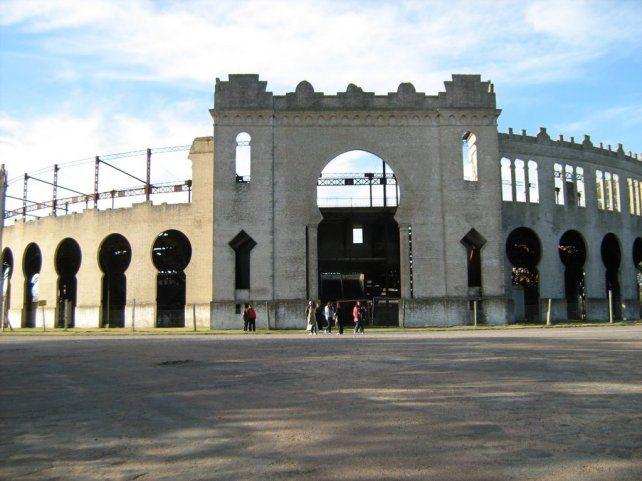 <b>Tauromaquia</b>. A comienzos del siglo XX las corridas de toros eran fiestas muy populares en Uruguay, y la Plaza Real de San Carlos era el punto de encuentro.
