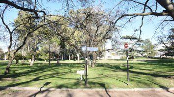 Galeano cayó mortalmente herido junto a un árbol en el extremo sur del parque.