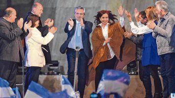 final de escena. Alberto Fernández y Cristina Kirchner fueron los únicos oradores de un acto que contó con la presencia de gobernadores y dirigentes de 19 provincias.