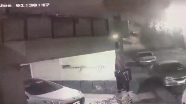 El video del momento en que se derrumba un edificio sobre General Paz