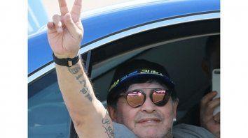Maradona. De Boca como Macri, pero crítico a su gobierno.