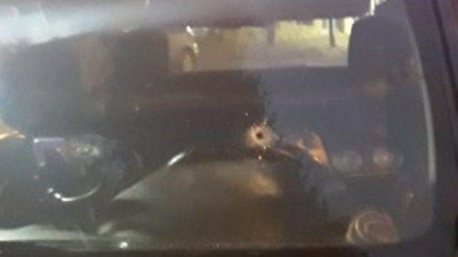 Dueños de taxis ligaron el ataque a tiros a un chofer con el clima preelectoral