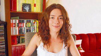 Carolina Cobelo, narradora: preparen, apunten, fuego.