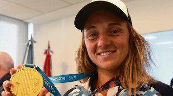 Nadia Podoroska. La Rusa subió a lo alto del podio y sacó pasaje para Tokio 2020.