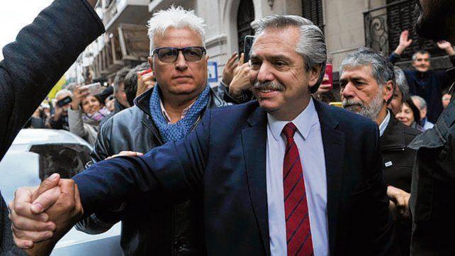Fernández desmintió que Macri lo haya llamado para felicitarlo.