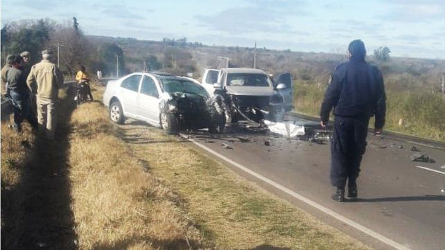 Un muerto y tres heridos tras un choque frontal en la ruta provincial 11