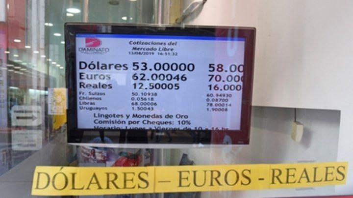Devaluación. El dólar subió 10 pesos el lunes. Con la intervención del BCRA