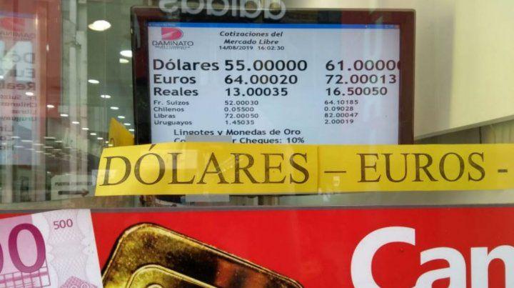 La divisa estadounidense subió tres pesos respecto al cierre de ayer.