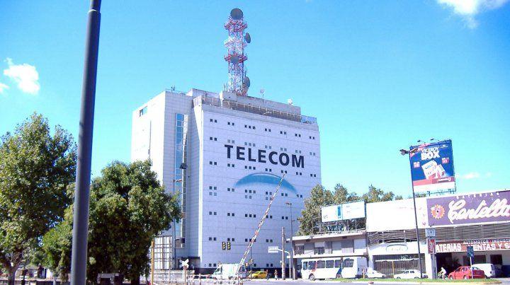 Multaron con 300 mil pesos a Telecom por dejar sin servicio a una clienta