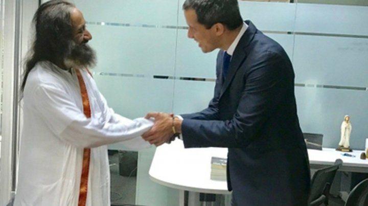 Ravi Shankar se reunió con Guaidó, tras haberlo hecho con Maduro