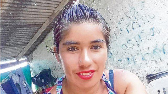 la víctima. Silvia tenía 28 años y vivía con sus tres hijos. El padre no podía acercarse a ninguno.