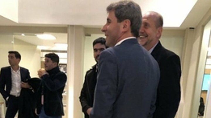 Uñac y Perotti estuvieron en las oficinas de Fernández.