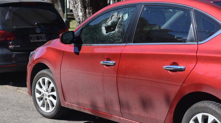 Un video muestra el ataque a balazos en un intento de robo en la puerta de un banco