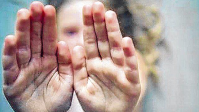 abusada y amenazada. La nena pudo contarle a su madre lo que sucedía y ambas abandonaron el hogar.