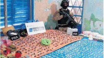 Drogas. En los allanamientos se halló marihuana, cocaína, dinero y armas.