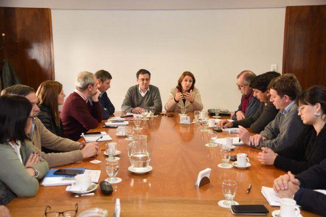 La intendenta Mónica Fein en la reunión de gabinete en la que comunicó el recorte de gastos.