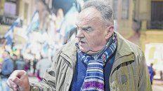 El dirigente encabezó el martes una protesta contra las remarcaciones de precios tras la devaluación.