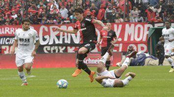 Prolijo. Formica gambetea contra Central Córdoba en el Coloso. El Gato le da claridad al equipo del Parque.