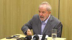 Lula durante la entrevista desde la prisión de Curitiba. Dijo que fue preso pudiendo huir al exterior.