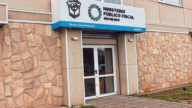 El fiscal Tomás Soto formuló los cargos contra el estudiante de 18 años.