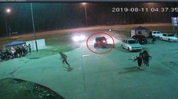 video. El momento en que partieron los disparos desde un VW Crossfox, captado por las cámaras de Piñero.