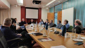 Crisis. Las delegaciones Rosario y Santa Fe de la CAC se reunieron con funcionarios provinciales.