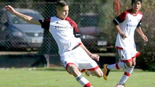 Buena pegada. El pibe Enzo Barrenechea seguirá su carrera en el fútbol suizo.