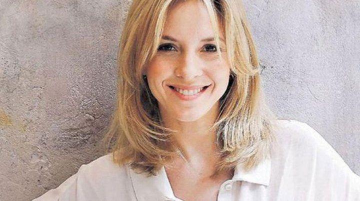 Carla Peterson hizo la presentación en sociedad de su cola