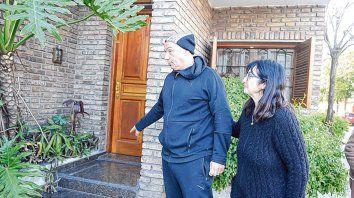 Cafferata y Gordillo. Daniel y Patricia encontraron al bebé en la puerta de su casa. Un vecino les avisó.