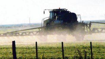 Fumigaciones y el aire. Monitorean el nivel de los agrotóxicos.