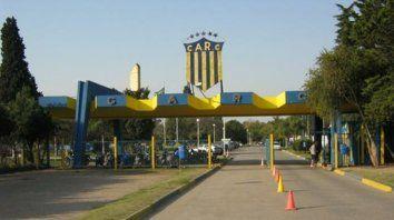 Granadero Baigorria. Ayer hubo una reunión en la ciudad deportiva entre empleados y responsables del gremio (Utedyc).