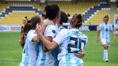 Sin festejo. No hubo homenaje pero las chicas de la selección entrenaron en Ezeiza.