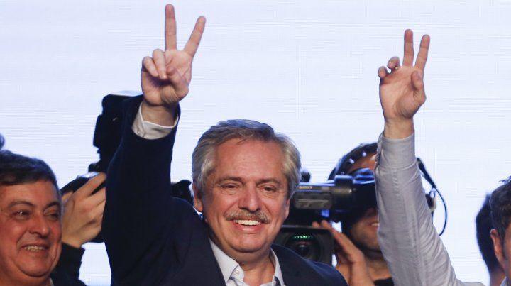 Fernández podría ser avalado en octubre con una avalancha de votos.