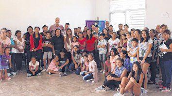 Encuentro. Los alumnos becados se reúnen con sus familias y los padrinos varias veces al año.