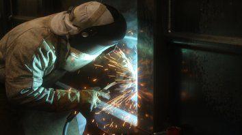 Industria. La actividad fabril bajó 6,1% interanual en el mes de junio.