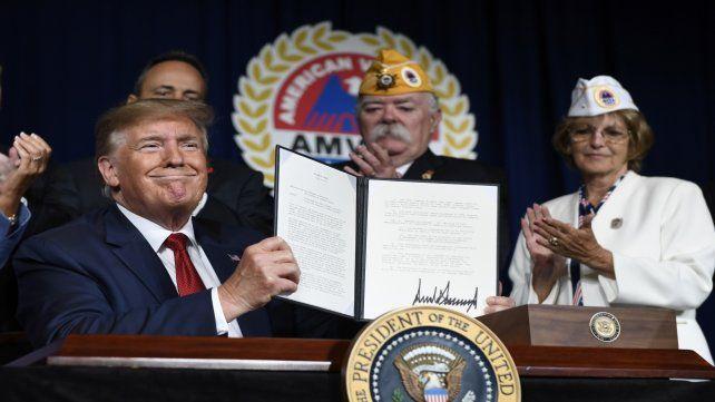 Entre amigos. Trump durante la convención anual de los veteranos
