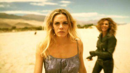 Fran, interpretada por Emilia Attias, deja atrás el confort y la seguridad para perseguir respuestas en el desierto catamarqueño.