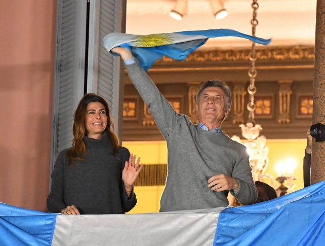 Macri agradeció el apoyo desde el balcón de la Casa Rosada