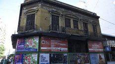 Qué hay detrás de los edificios abandonados de la ciudad