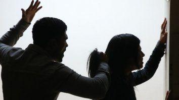 Golpiza. La joven fue sometida por parte de su pareja. El hombre actuó enfurecido.