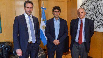 El ministro Lacunza junto a los funcionarios del FMI durante la reunión realizada ayer
