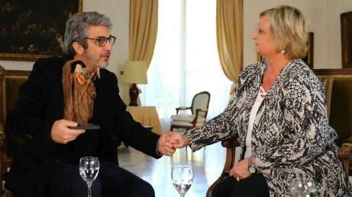 Darín recibe la distinción de manos de la ministra de Turismo de Uruguay