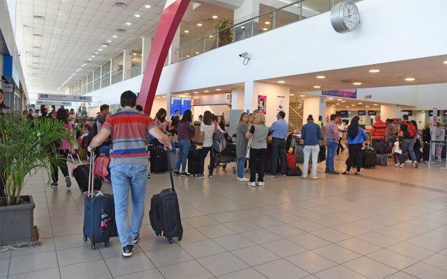 Cayó un 40 por ciento el número de pasajeros que vuelan al exterior desde Fisherton