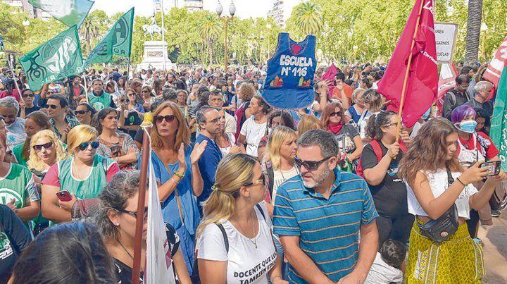reclamo. Los docentes concentrarán en la plaza 25 de Mayo