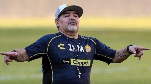 Diego volvería a dirigir en el fútbol argentino.